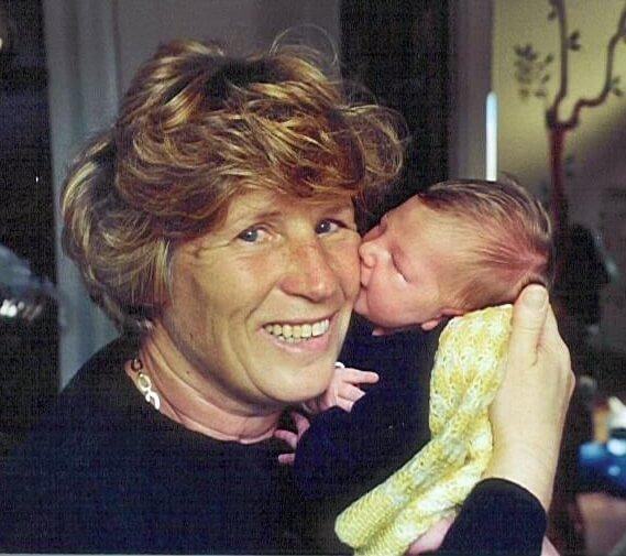2000 Micol con la nonna