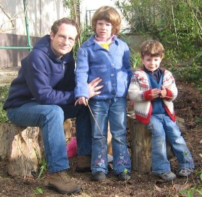 2006 Massimo con le bimbe in campagna