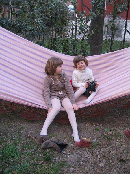 2008 Mia e Micol sull'amaca