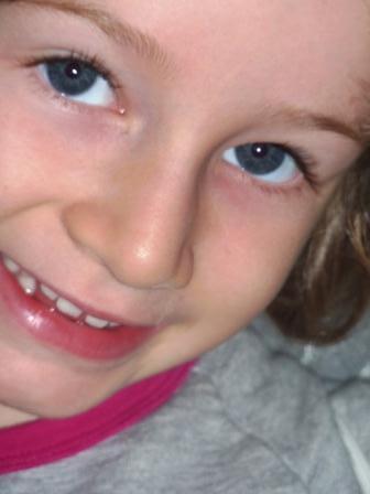 2012 Mia sorride